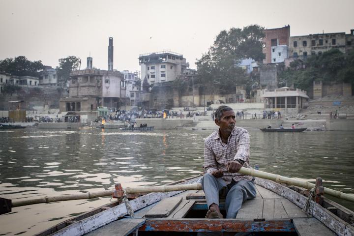 Varanasi_river01