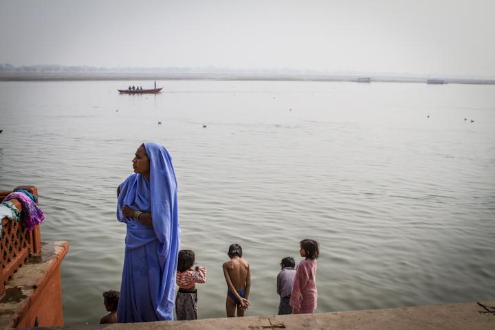 Varanasi_river02