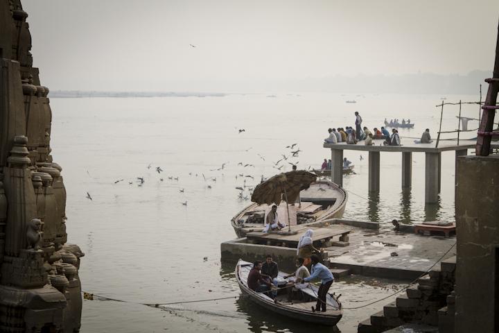 Varanasi_river03