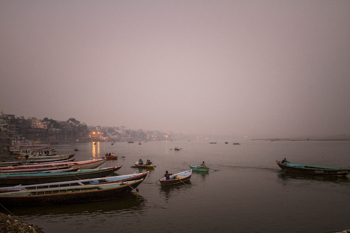 Varanasi_river04