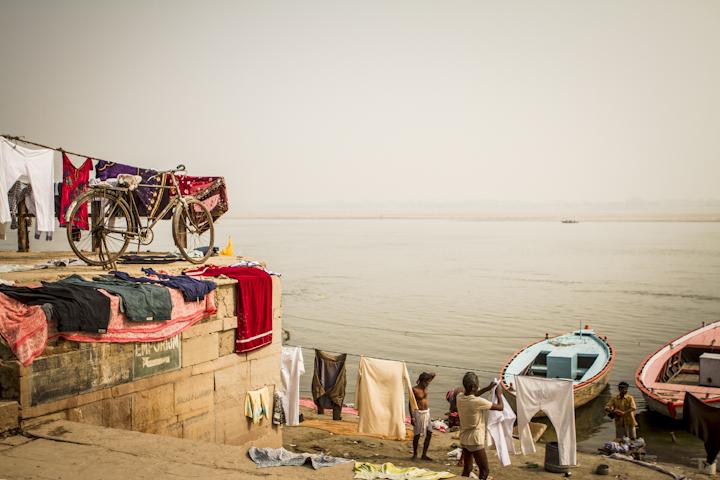 Varanasi_river06