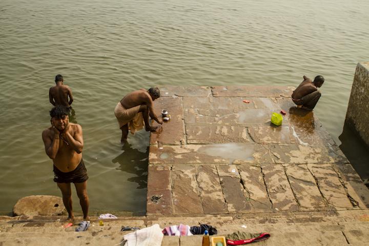 Varanasi_river07