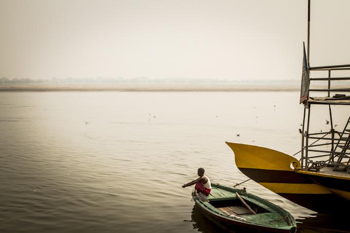 Varanasi_river08