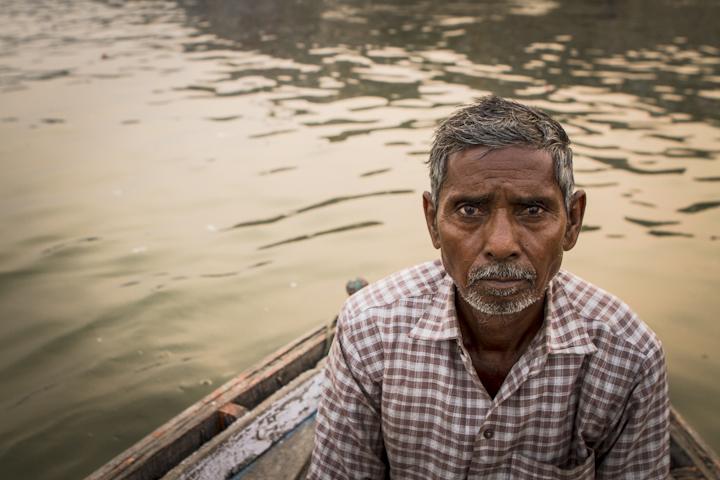 Varanasi_river09