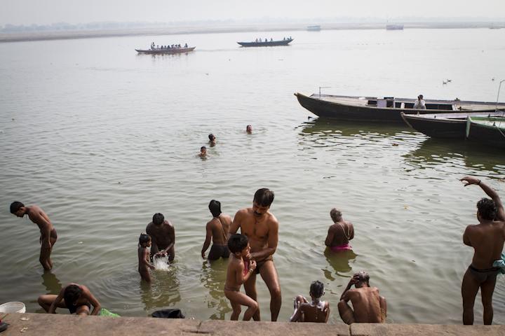 Varanasi_river11