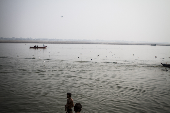 Varanasi_river15