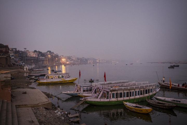 Varanasi_river16